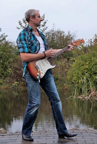 Olav Lisby med Guitar